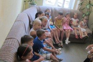 В Полтаве дети заблокировали кабинет начальника управления образования