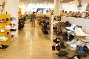 З Криму йдуть українські та міжнародні мережі магазинів