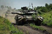 Українські військові провели танкові маневри в зоні ООС на Донбасі