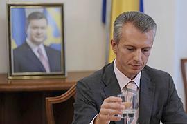 """Янукович уволил Хорошковского из ВСЮ """"по собственному желанию"""""""