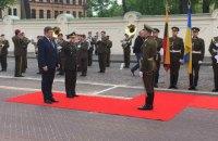 Литва намерена отправить в Украину больше военных инструкторов