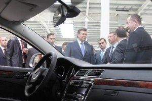 Янукович поручил усовершенствовать закон об утилизации авто