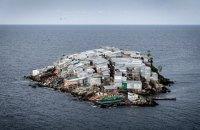 Нерезиновый: Как живёт самый густонаселённый остров мира