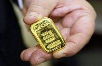 Цены на золото упали до минимума за полгода
