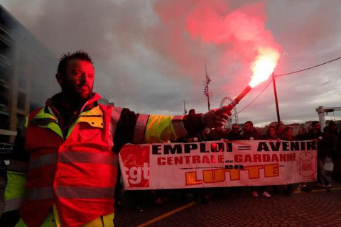 Французи захищають свої пенсії від Макрона