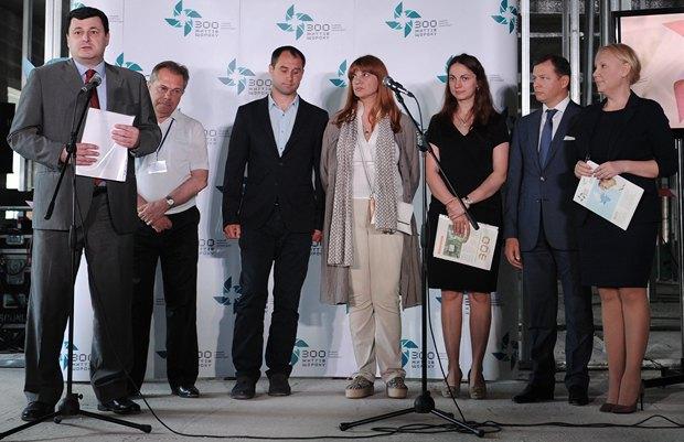 Квиташвили(крайний слева), Корчинская(в центре), Гопко (радом с Корчинской) и Коваль (крайняя справа) во время торжественного старта кампании <<300 життів щороку>> по достройке нового корпуса Охматдета