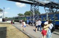В Запорожской области локомотив при сцепке въехал в пассажирский состав (обновлено)