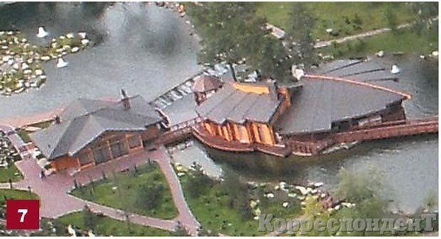 Банная. В двух отдельных сооружениях находятся банно-оздоровительный комплекс и дом отдыха