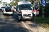 """На варшавській трасі під Києвом сталася ДТП за участю """"швидкої допомоги"""""""