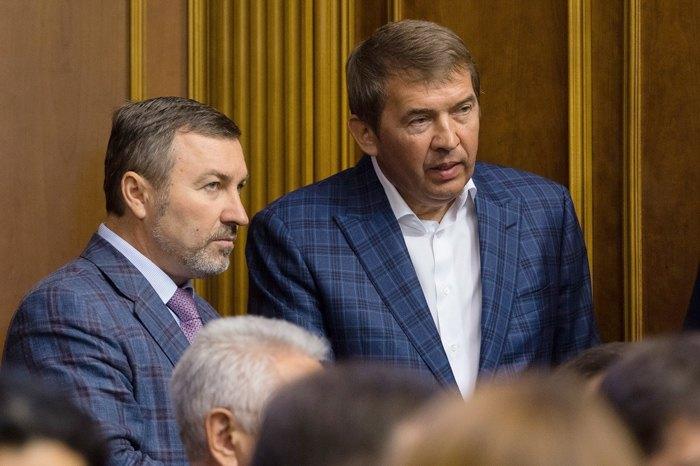 Олег Кулинич (справа)