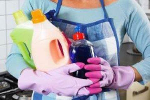 Кабмін дозволив магазинам продавати побутову хімію і пресу під час локдауну