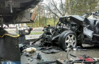 В Киеве 22-летний водитель Mercedes, участвуя в гонках на дороге, разбился насмерть
