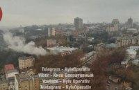 В центре Киева загорелись склады
