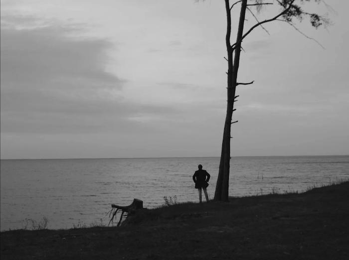 Кадр з фільму «Монолог. Один»