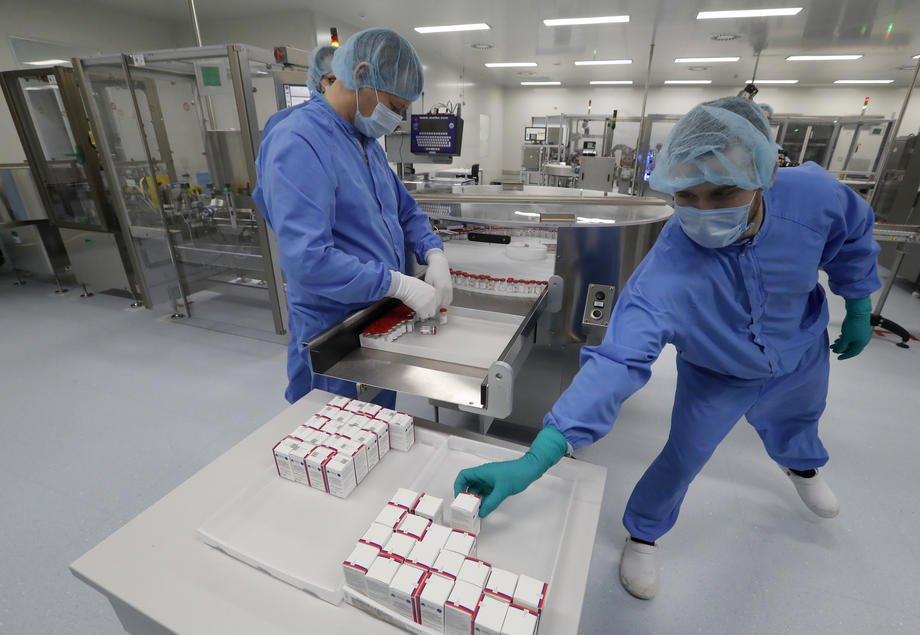Виробництво російської вакцини Gam-COVID-Vac проти коронавірусної хвороби (Covid-19), зареєстрованої під торговою назвою Sputnik V, на базі російської біотехнологічної компанії BIOCAD у м. Стрельна поблизу Санкт-Петербурга, 04 грудня 2020 р.