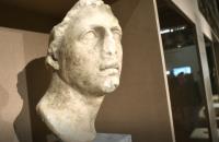 Россия незаконно вывезла из оккупированного Крыма 450 музейных экспонатов, - Минкульт
