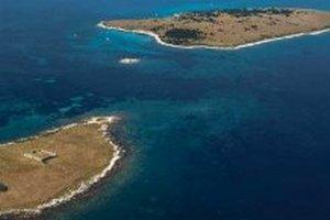 Хорватия продает два небольших острова