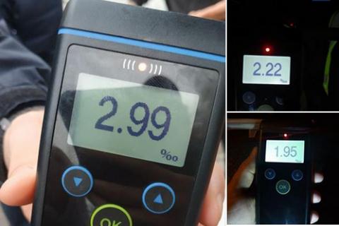 """На Львівщині п'яний водій скликав """"мітинг"""" на свою підтримку і змусив поліцейських самих пройти драг-тест"""
