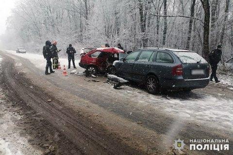 На Хмельниччині у ДТП загинуло подружжя та травмувалася дитина