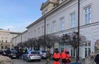 Автомобиль врезался в ограду президентского дворца в Варшаве