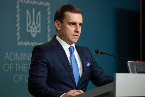 Первый визит Зеленского в Брюссель должен промотивировать президента четче очертить свое видение внешней политики, - Елисеев
