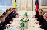 Янукович переговорил с тремя президентами и патриархом