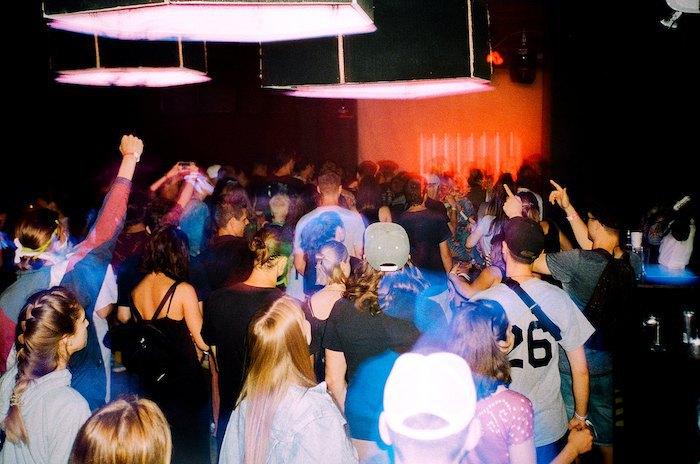 Рейв-вечеринка, клуб Module