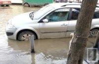 """В Одессе затопило улицы вблизи """"Привоза"""""""