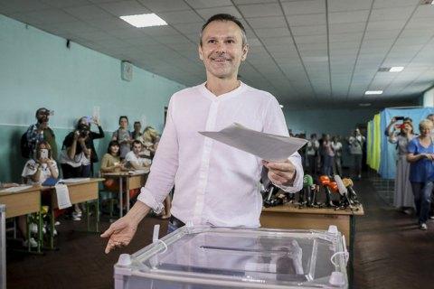 Вакарчук не намерен отказываться от мандата после прохождения его партии в Раду