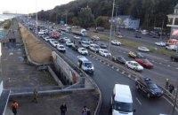 Рух по мосту Метро в Києві повністю відновлено