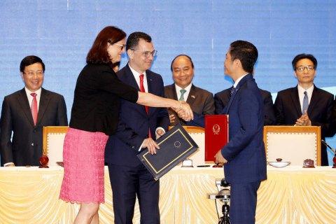 ЕСиВьетнам подписали договор освободной торговле