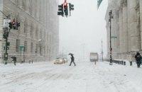 В Нью-Йорке из-за сильного снегопада закрыты все школы