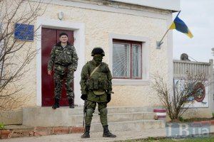 """На КПП """"Армянськ"""" росіяни кілька годин утримують членів Меджлісу"""
