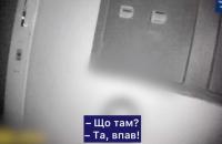 У Чернівцях чоловік випав з вікна восьмого поверху на супутникову антену поверхом нижче