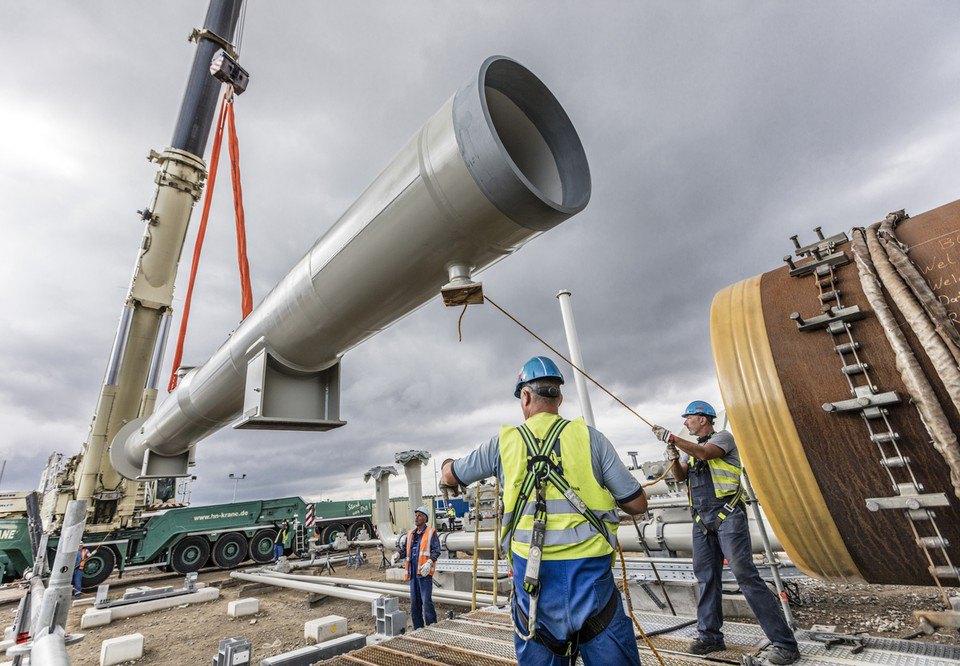 Установка камер приёма диагностических и очистных устройств на строительной площадке Nord Stream 2 в Любмине