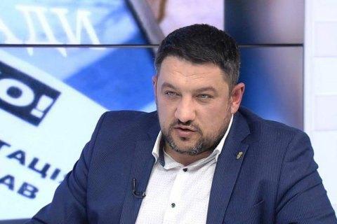 Депутат Київради випадково вистрілив у себе з нагородного пістолета