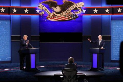 У США ухвалили рішення вимикати мікрофон на президентських дебатах