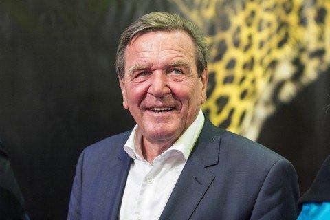 Шредер подтвердил намерение работать всовете начальников «Роснефти»