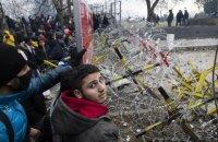 Турция заявила, что греческая полиция застрелила мигранта и пятерых ранила