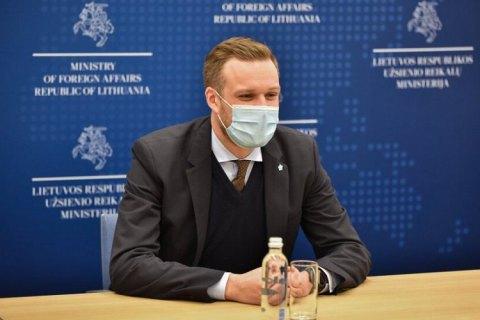 Литва готова поделиться с Украиной вакциной от ковида