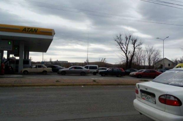 Очередь за бензином в Крыму