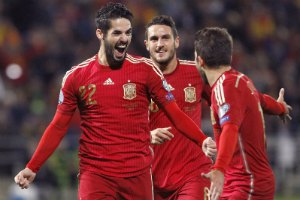 Испания на игру против Украины добиралась поездом