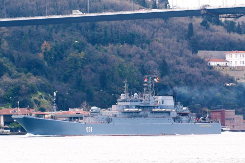 Россия перебросила в Черное море два боевых корабля