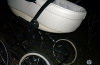Подросток на мопеде въехал в детскую коляску в Донецкой области