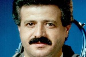 Перший космонавт Сирії подався у повстанці