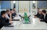 """Порошенко призвал к освобождению пленных по принципу """"всех на всех"""""""