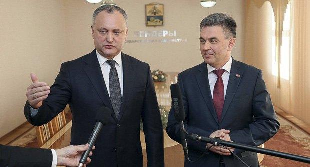 Лидер непризнанной республики Вадим Красносельский и президент Молдовы Игорь Додон