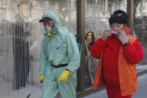 У Києві за добу коронавірус підтвердили у 56 осіб, з них 17 - медики
