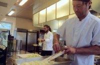 Ресторан, де їжу готують із залишків, відкрився в столиці Фінляндії