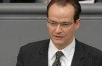 """Германия призывает Януковича серьезно отнестись инциденту в """"Борисполе"""""""